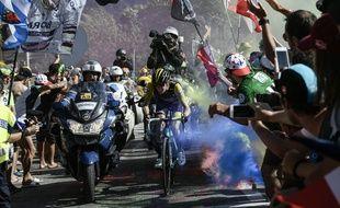 Les fumigènes sont interdits sur le parcours du tour dans les Pyrénées.