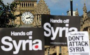"""Le refus des députés britanniques de toute action armée en Syrie constitue un """"couac"""" dans """"la relation spéciale"""" entre Londres et Washington et risque d'affaiblir l'influence du Royaume-Uni dans le monde, jugent vendredi experts et politiques."""