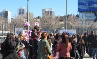 Marseille le 03 MARS 2015 Devant le Dôme avant le premier concert de Violetta dans la ville.