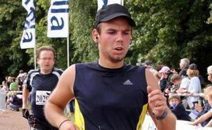 Andreas Lubitz, copilote de l'A320 de Germanwings, lors d'un marathon le 13 septembre 2009 à Hambourg