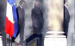 Nicolas Sarkozy et Dominique de Villepin à l'Elysée à l'issue de leur rencontre, jeudi 24 février 2011