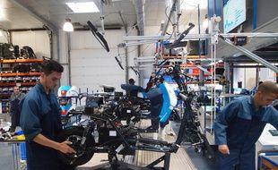 """La chaîne de """"production"""" de scooters de l'usine test du BCG"""