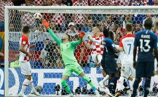 Mandzukic marque contre son camp face aux Bleus