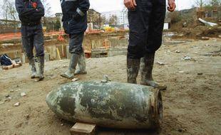 Illustration d'une bombe de la Seconde Guerre mondiale.