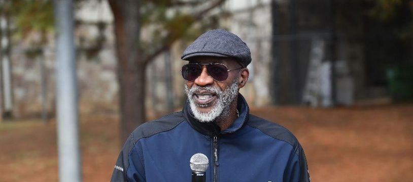 L'ancien champion olympique du 400m haies, Edwin Moses, est le président du conseil d'administration de l'Agence américaine antidopage.