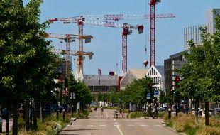 Illustration construction ; grues ; chantier à Bordeaux