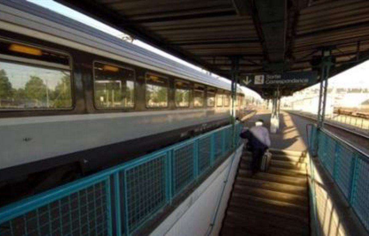 """Le trafic était """"pratiquement normal"""" mercredi matin sur """"l'ensemble du réseau"""" ferroviaire """"sauf pour une partie des TER"""", sur certaines lignes régionales de TGV, de Corail Intercités et au départ de Paris-Montparnasse, selon la SNCF, alors que la CGT appelle à une grève. – Mychele Daniau AFP/Archives"""