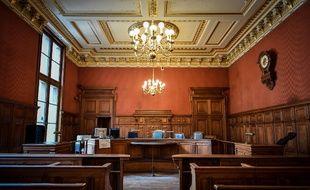 La salle des référés, au palais de Justice de Paris sur l'île de la Cité.
