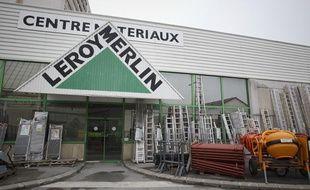 66a6015ca79 Le magasin de bricolage Leroy Merlin de Vitry sur Seine avait ouvert ses  portes le dimanche