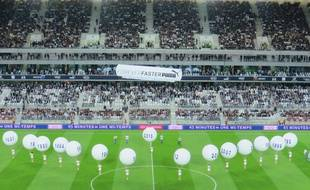 Cérémonie d'ouverture du match d'inauguration au Nouveau stade de Bordeaux
