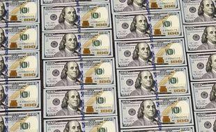 Illustration de billets de 100 dollars.