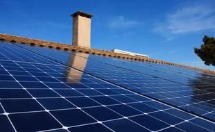 Les premiers panneaux photovoltaïques de la coopérative Citoy'enR sont installés groupe scolaire Georges Lapierre à Tournefeuille.