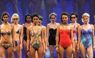 Défilé du salon de la lingerie et du maillot de bain Mod City à Paris en juillet 2014.