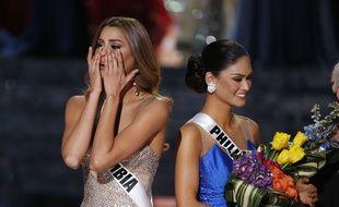 Miss Colombie, Ariadna Gutierrez (à g.), a été annoncée gagnante par erreur au concours de Miss Univers 2015. Miss Philippines, Pia Alonzo Wurtzbach, est l'heureuse élue. L'élection s'est tenue à Las Vegas, le 20 décembre 2015.