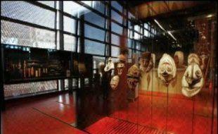Le musée du quai Branly peut recevoir 1.600 personnes à la fois, dont 1.000 sur le plateau des collections, selon les normes de sécurité.