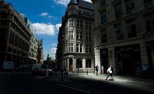 La Grande-Bretagne est la première destination des investisseurs américains pour les actifs financiers, devançant notamment la France, qui arrive en cinquième position, a indiqué vendredi le départementdu Trésor des Etats-Unis.