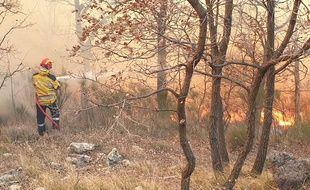 Violent incendie à Saint-Vallier-de-Thiey, dans les Alpes-Maritimes