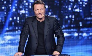 """L'animateur Arthur dans """"Vendredi tout est permis"""" sur TF1."""