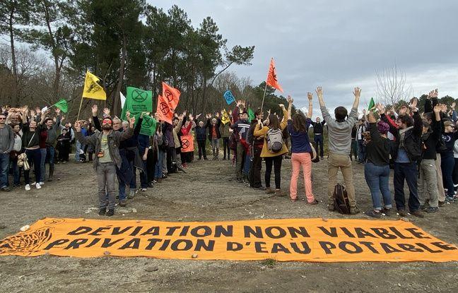 Environ 150 manifestants se sont rendus ce dimanche sur les lieux du projet de déviation routière du Taillan-Médoc, en Gironde