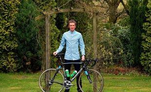 Le Britannique Bradley Wiggins a affirmé lundi être candidat à un doublé Giro-Tour de France, malgré la concurrence interne au sein de l'équipe Sky de son dauphin de l'été dernier, son compatriote Chris Froome, lui aussi prétendant au maillot jaune.