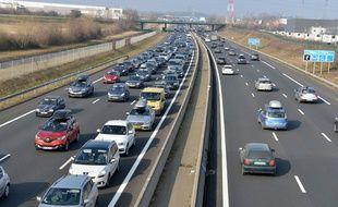 Le trafic s'annonce très chargé sur les routes de France ce week-end.