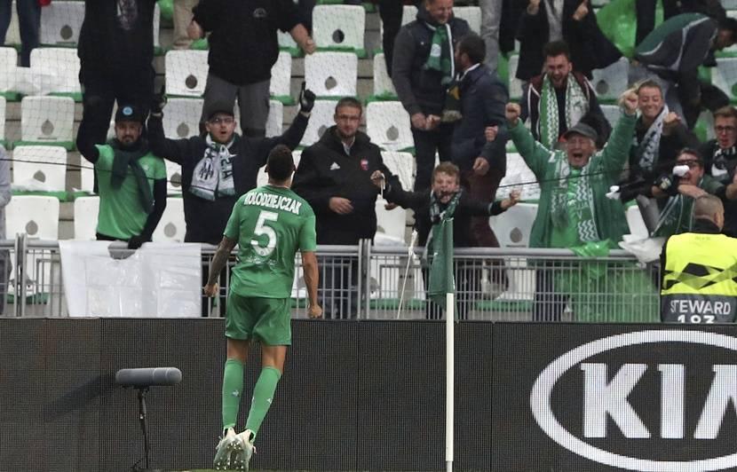 Ligue 1 : « Je ne suis pas un branleur », Timothée Kolodziejczak répond à Claude Puel qui ne compte plus sur lui