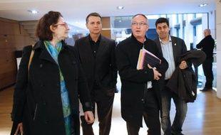 Le secrétaire générale de la CGT Eric Aubin arrive au siège du Medef pour les négociations sur le Pacte de responsabilité, le 28 février 2014