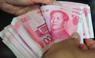 La Chine a annoncé samedi élargir la marge de fluctuation de sa monnaie, tout en conservant un strict contrôle de son cours, afin de mieux tenir compte du marché et de répondre aux pressions de ses partenaires commerciaux qui exigent une réévaluation plus rapide du yuan.