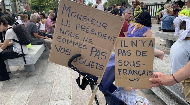 Pass sanitaire : A Paris, des milliers de manifestants pour dire non « au monde qui se dessine »