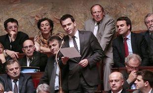 Olivier Véran, le député de l'Isère, prend la parole lors d'une séance de questions au gouvernement, le 24 octobre 2012 à Paris.