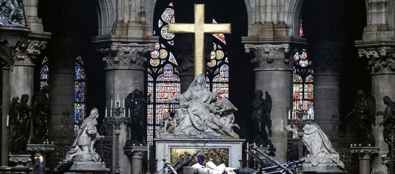 La cathédrale a été en partie ravagée par un incendie ce lundi