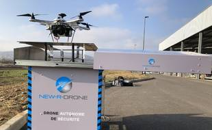 Le drone et sa station.  New R Drone.