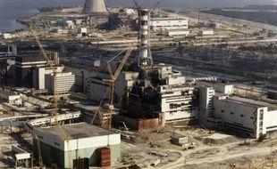 """Des élus corses et une équipe de scientifiques ont présenté mardi à Paris une enquête """"indépendante"""" sur l'augmentation dans l'île des pathologies thyroïdiennes après la catastrophe nucléaire de Tchernobyl en 1986, une corrélation contestée par les autorités."""