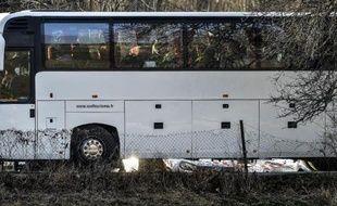 Des proches des victimes du crash arrivent à Seyne-les-Alpes le 26 mars 2015