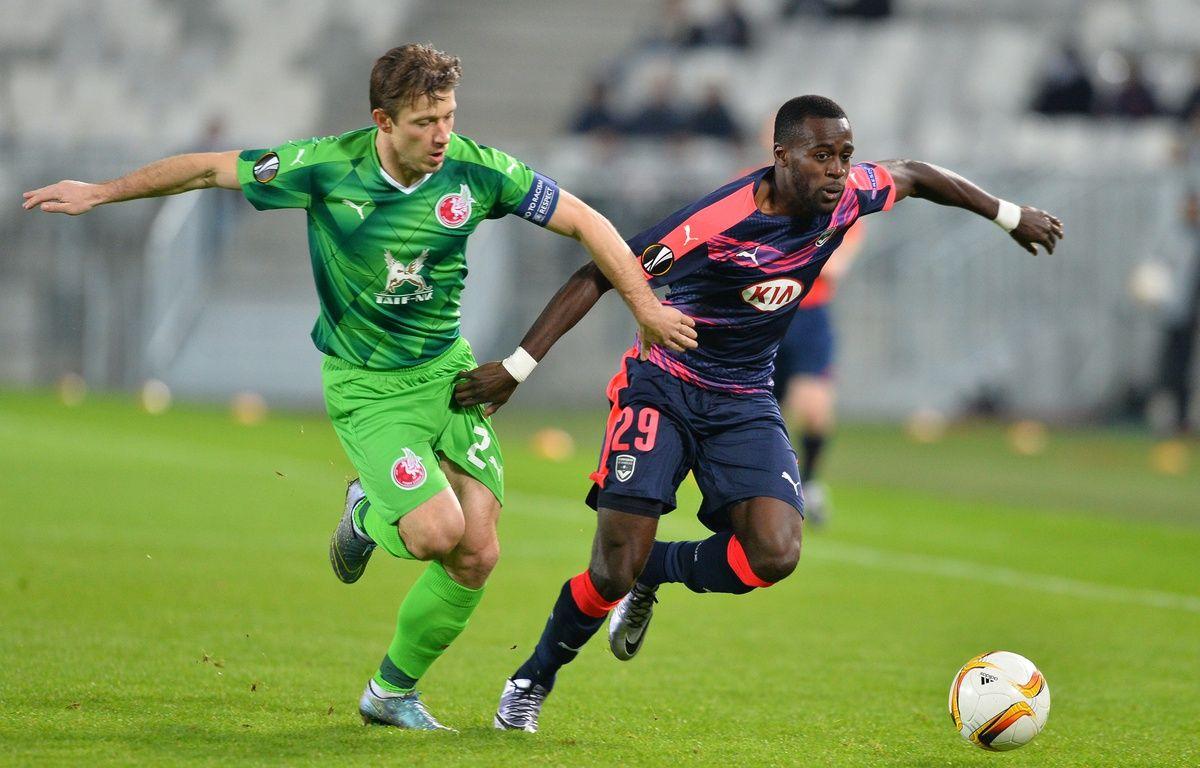Maxime Poundjé, le défenseur des Girondins de Bordeaux lors d'un match face aux Russes du Rubin Kazan, le 10 décembre 2015 à Bordeaux. – N. Tucat / AFP