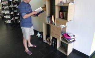 Gilles utilise régulièrement la Givebox de la Croix-Rousse depuis un an.