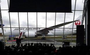 La compagnie nippone Japan Airlines (JAL) a indiqué vendredi qu'elle renonçait à 672 vols entre le 31 mars et le 31 mai, à cause des répercussions sur ses plans de l'immobilisation des Boeing 787 après de graves incidents.