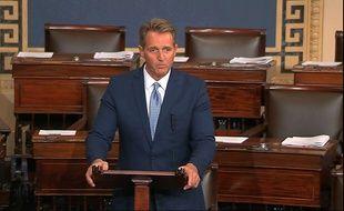 Le sénateur républicain Jeff Flake s'exprime devant le Sénat américain, le 24 octobre 2017.