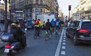 Depuis le début de la grève, le nombre de vélos en circulation dans la capitale a doublé, et les accidents de deux-roues ont eux aussi augmenté.