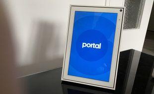 Les fonctions premières de portal (communication, affichage de photos et vidéos) sont bien remplies.