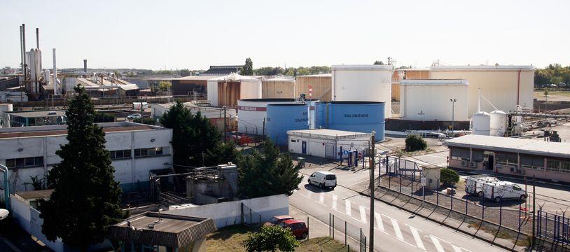 Site pétrolier de Fondeyre à quelques kilomètres seulement du centre ville. 20/09/2011 Toulouse