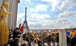 Rassemblement pro-tibétain au Trocadéro, à Paris, lors du passage de la flamme olympique, le 7 avril 2008.