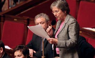 La député socialiste Catherine Coutelle, le 8 décembre 2009 à l'Assemblée.