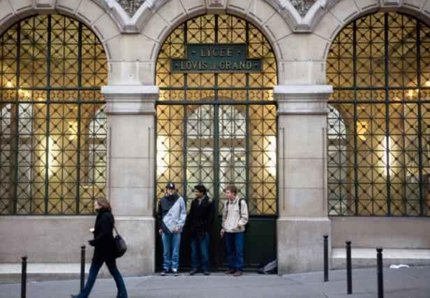 Paris - Nouvelle mise à l'abri des élèves dans trois lycées parisiens