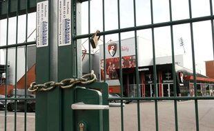 L'Angleterre a annoncé l'arrêt de la Premier League et l'annulation des matchs de l'équipe nationale pour le moment.