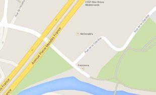 Google Maps avenue Mendès-France
