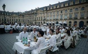 """""""Dîner en Blanc"""", le 8 juin 2016 Place Vendôme à Paris"""