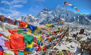 Le mont Everest est le point culminant de la Terre à 8.848 mètres d'altitude.