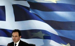 Le ministre grec des Finances George Papaconstantinou présente le plan de rigueur imposé par l'Union Européenne et le FMI à Athènes, Grèce, le 2 mai 2010.