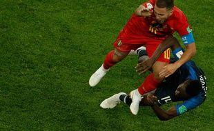 Le gros choc entre Eden Hazard et Blaise Matuidi lors de la demi-finale France-Belgique, le 10 juillet 2018.